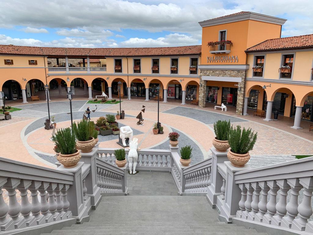 Valdichiana Outlet Village – Restyling Piazza Maggiore